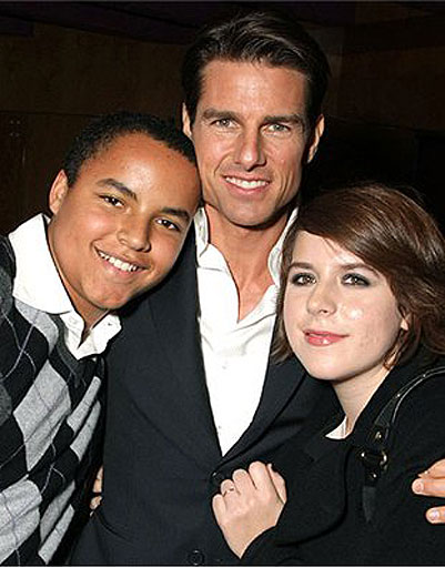 http://prettymomguide.com/wp-content/uploads/2011/10/Tom-Cruise-and-his-adopted-children-Isabella-Jane-and-Connor-Anthony.jpg
